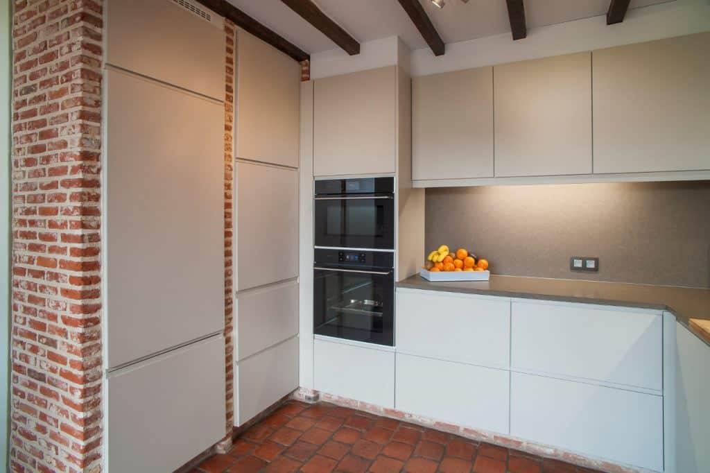 Keukenrenovatie met behoud van stenen muren